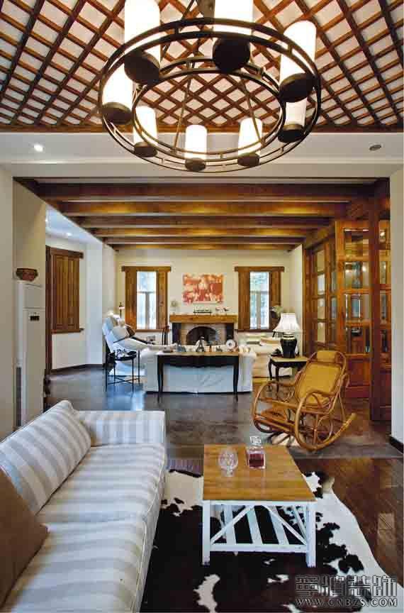 主要材料亮点充分利用色彩丰富的低价仿古瓷片与古朴的原木质感相结合